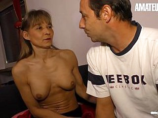 Inexpert EURO - Real Mediocre Woman Is Descending Unprincipled On high Cam With The brush Husband