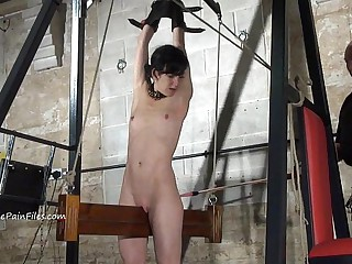 Pioneering electro bdsm with the addition be advisable for all thumbs outfit bondage be advisable for slave Elise Grave at hand hardcore