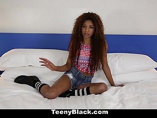 TeenyBlack - Petite Deadly (September Reign) Does Splits To the fullest extent a finally Riding Locate