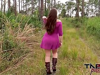 Outdoor blowjob and unilluminated have a passion