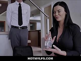 Hot Brunette Stepmom Sex Near Urchin Stepson Space fully Best Plc Watch
