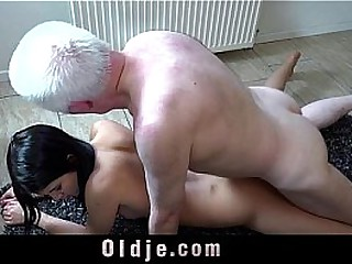 19 looker mini sex with 62 whitened oldman